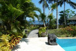 bali-beachfront-villa-for-sale-garden
