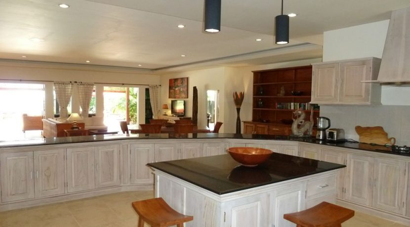 bali-beachfront-villa-for-sale-kitchen-center
