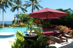 bali-beachfront-villa-for-sale-sun-chairs