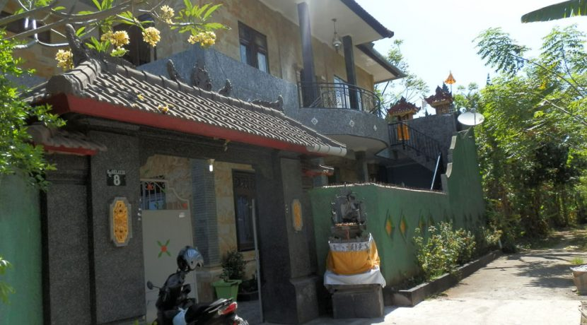 north-bali-lovina-town-villa-gate