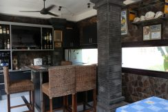 north-bali-lovina-town-villa-gazebo-bar