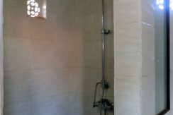 north-bali-lovina-town-villa-shower