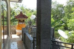 north-bali-lovina-town-villa-temple