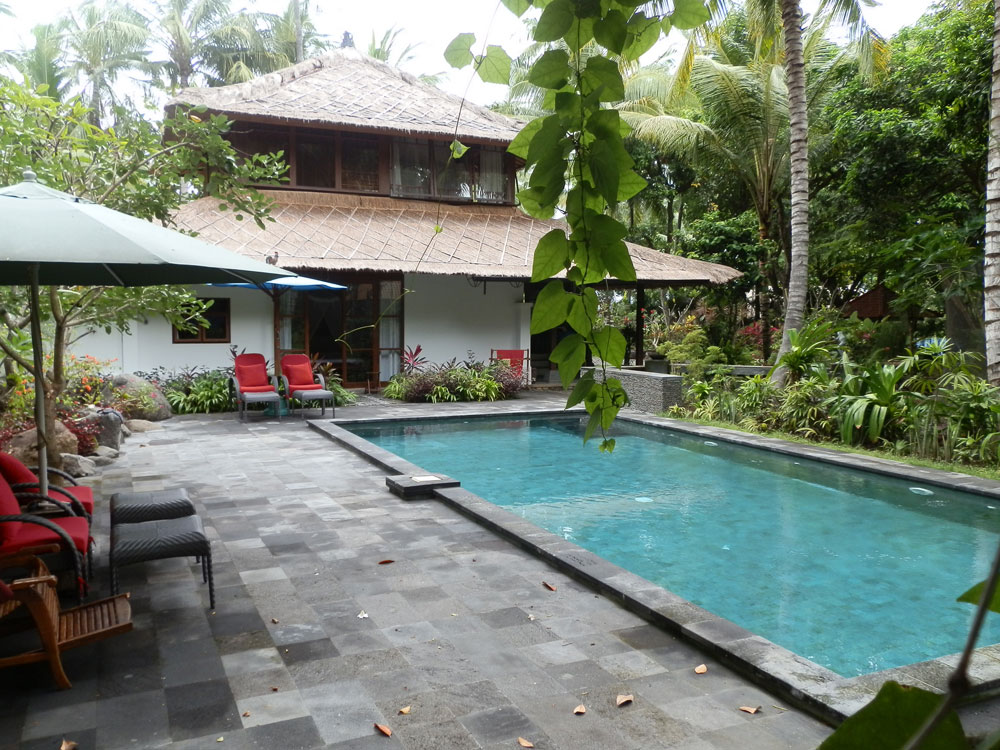 North east bali beach villa for sale swimming pool bali real estate agency for Swimming pools in the north east