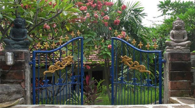 hotel for sale lovina bali back-entrance