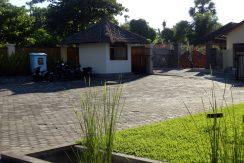 bali-beachfront-hotel-resort-for-sale-entree-gate