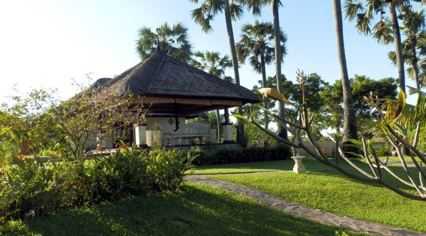 bali-beachfront-hotel-resort-for-sale-office