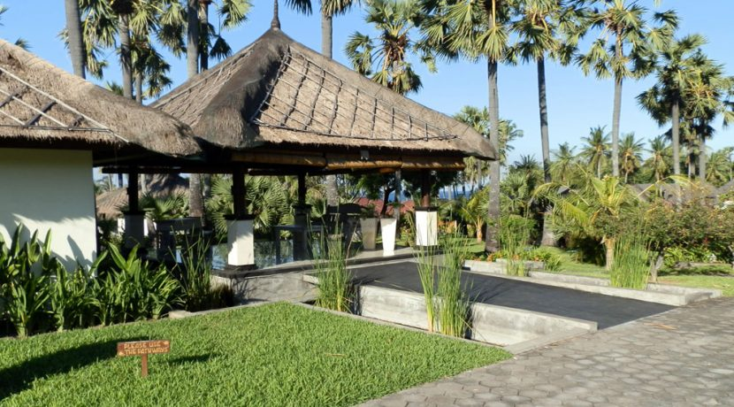 bali-beachfront-hotel-resort-for-sale-reception