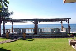 bali-beachfront-hotel-resort-for-sale-seafront-dining