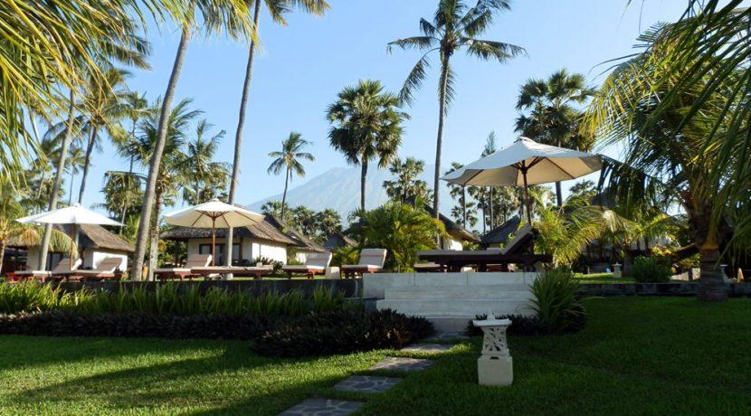 bali-beachfront-hotel-resort-for-sale-su-loungers