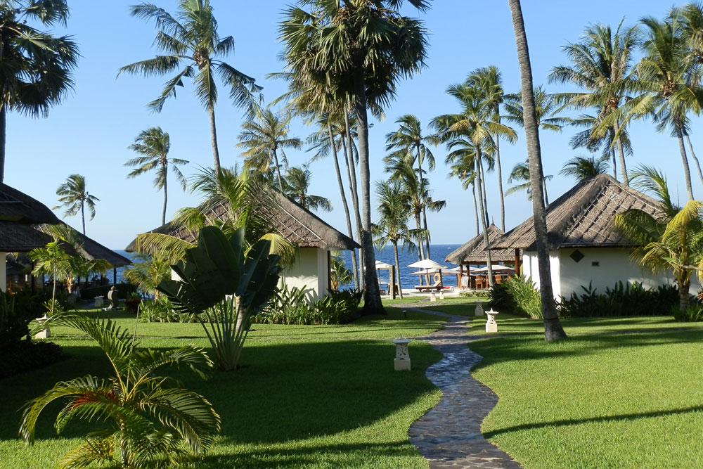 Bali beachfront hotel for sale with spa & dive center NE-C01