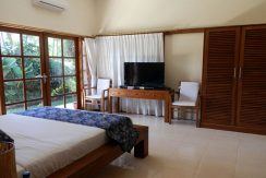 bali-lovina-beachfront-villa-for-sale-bedroom-tv