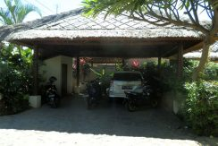 bali-lovina-beachfront-villa-for-sale-carport