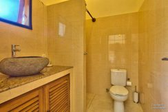 bali-beachfront-villa-for-sale-guest-toilet