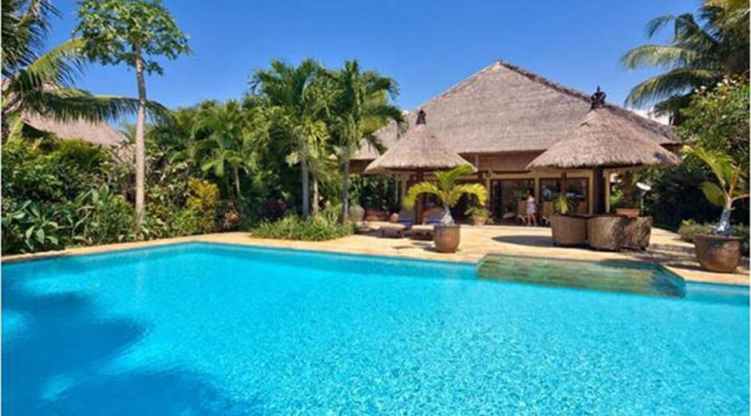 bali-lovina-beachfront-villa-for-sale-house-front