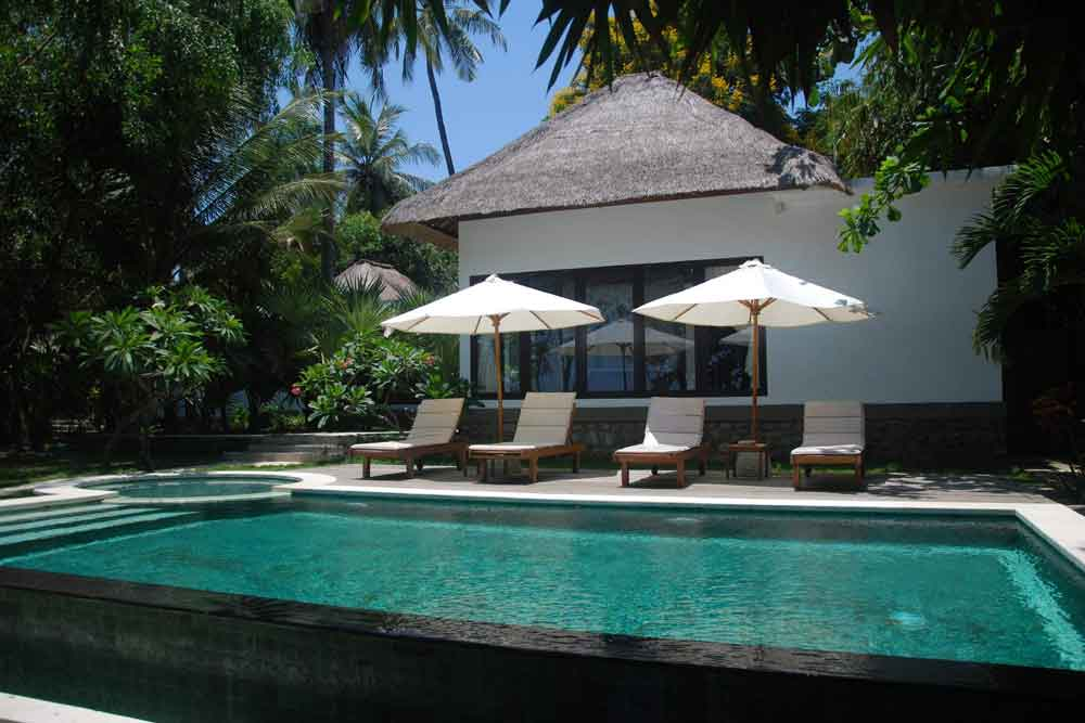Bali beachfront villa for sale NE-V009