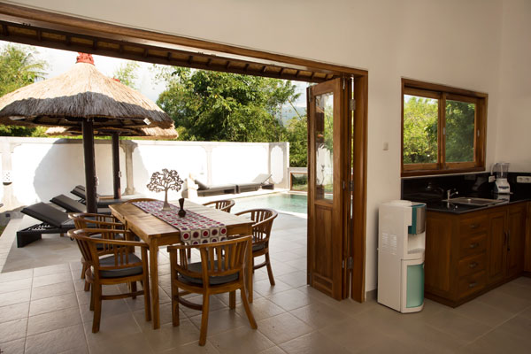 bali-lovina-riverside-villa-sales-dining-terrace