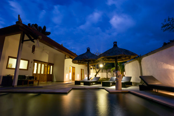 bali-lovina-riverside-villa-sales-evening
