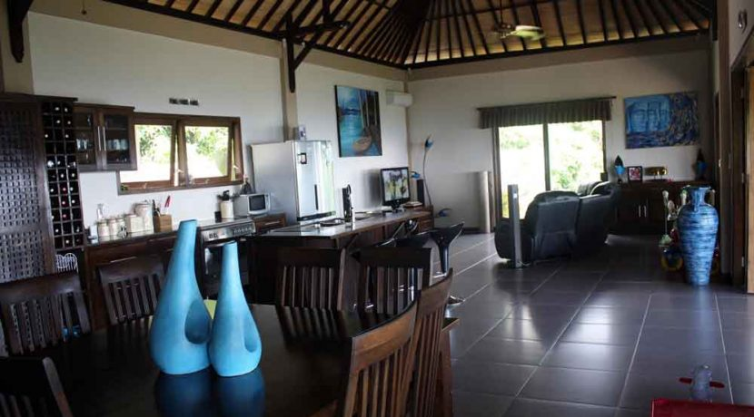 bali-lovina-villa-with-sea-view-for-sale-living