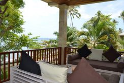 bali-resort-penthouse-apartment-for-sale-balcony