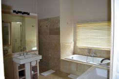 bali-resort-penthouse-apartment-for-sale-bathroom