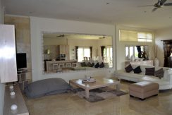 bali-resort-penthouse-apartment-for-sale-living
