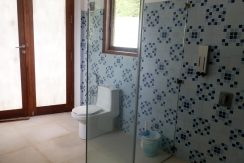 bali_lovina_villa_for_sale_bath