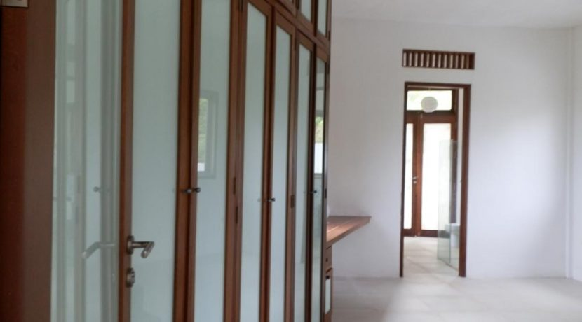 bali_lovina_villa_for_sale_wardrobe