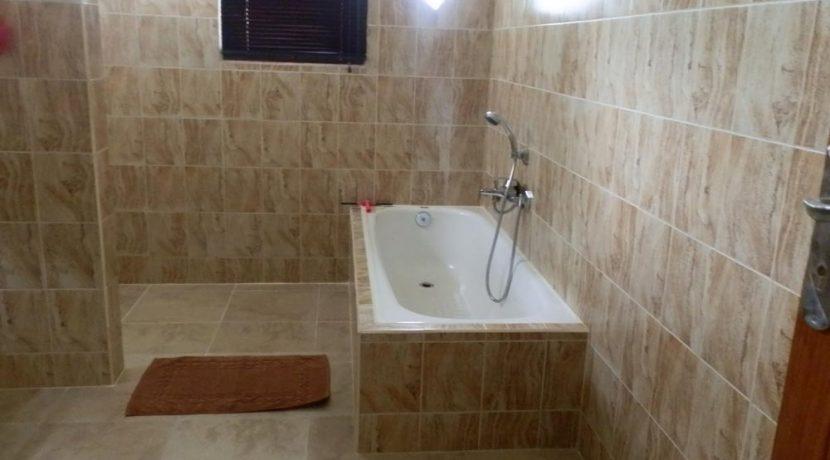 north-bali-lovina-villa-sale-bathroom