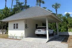 east-bali-beachfront-villa-sale-car-port