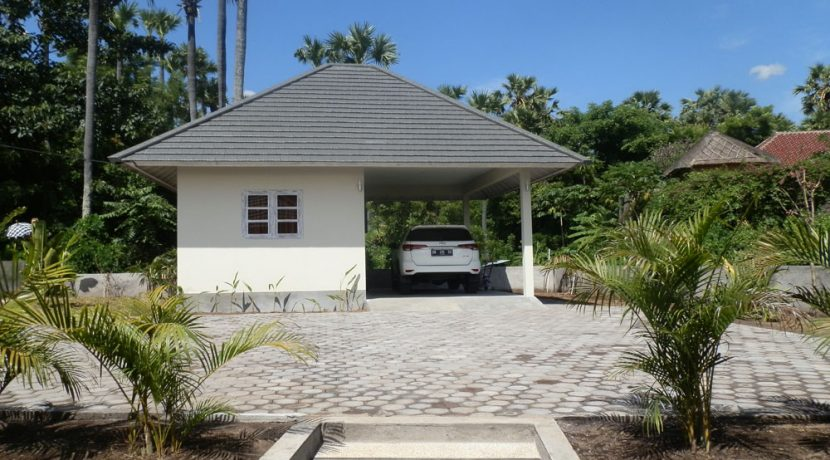 east-bali-beachfront-villa-sale-car-port2