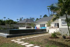 east-bali-beachfront-villa-sale-walled-in