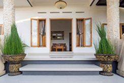 bali lovina house for sale entree