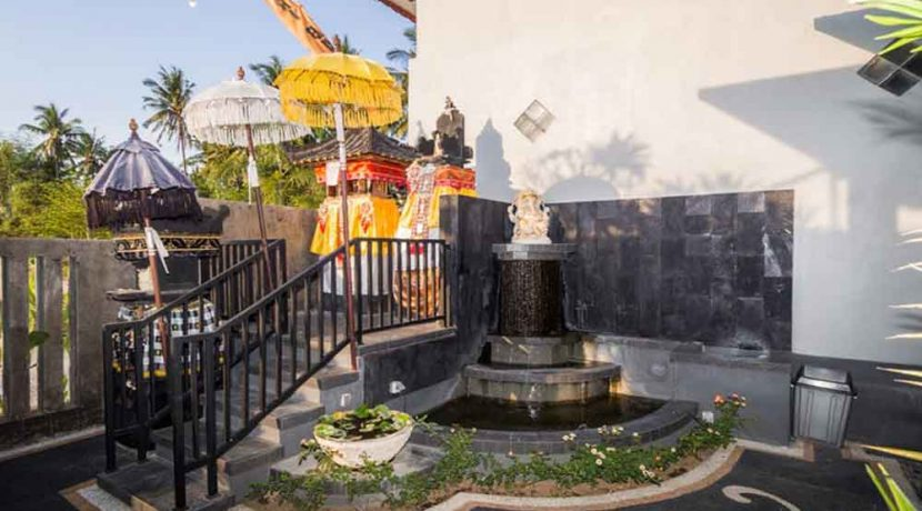 bali lovina house for sale temple