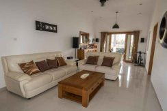 bali lovina house for sale living-lounge