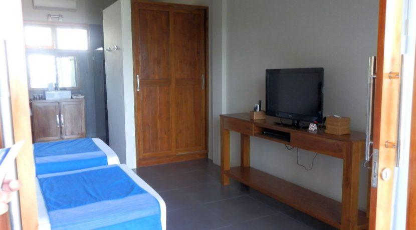 north-bali-lovina-beachfront-villa-for-sale-room