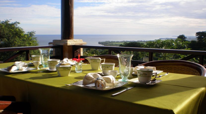 north-bali-lovina-hotel-resort-for-sale-dining