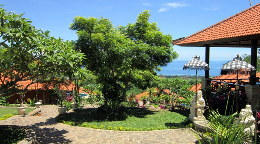 north-bali-lovina-hotel-resort-for-sale-entree