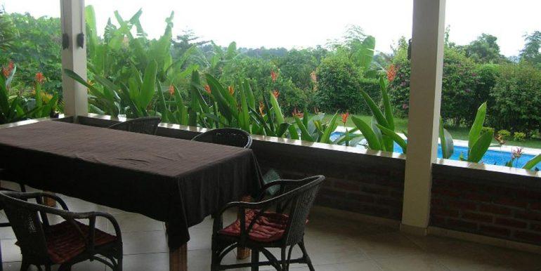 north-bali-lovina-villa-sale-balcony