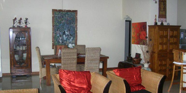 north-bali-lovina-villa-sale-living