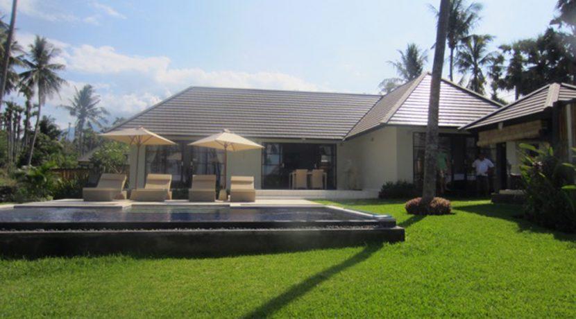 north-east-bali-beachfront-villa-sale-pool