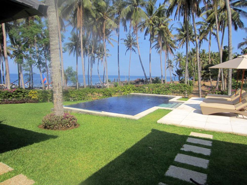 Bali beach villa for sale in Kubu East Bali NE-V020