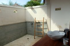 west-bali-hotel-resort-for-sale-bungalow-bathroom