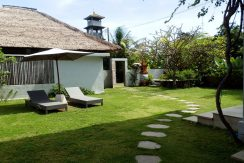 bali-hotel-for-sale-garden