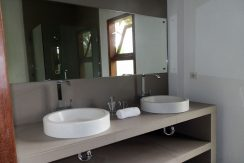bali-lovina-hotel-business-for-sale-bathroom