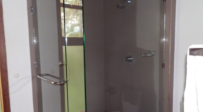 bali-lovina-hotel-business-for-sale-shower-unit