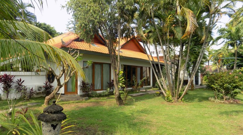 bali-lovina-beach-villa-sales-house