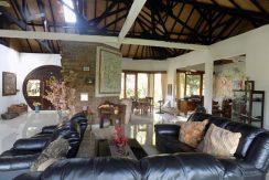 bali-lovina-beach-villa-sales-living