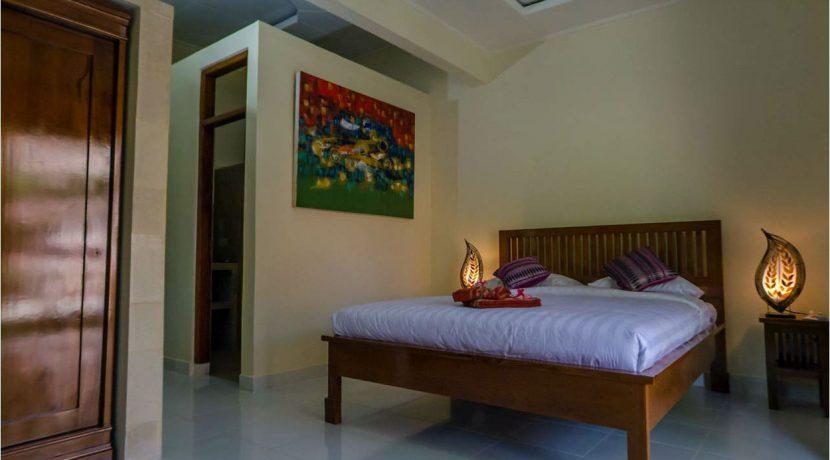 bali-lovina-town-villa-for-sale-bedroom