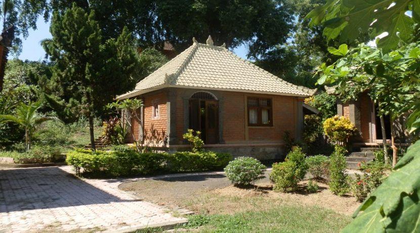 bali-yoga-retreat-resort-sale-bungalow